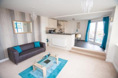 One Bedroom Apartment with Balcony, Sleeps 2