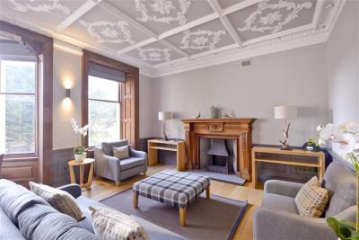 Deluxe One Bed Apartment - Distillers House