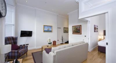 Classic Studio Apartment - Princes Street