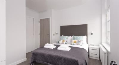 Classic Two Bedroom Apartment - Glassford Residence