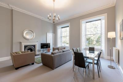 Classic Two Bedroom Apartment - Q-Residence