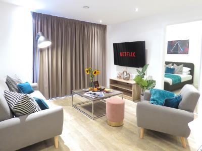 Tudors eSuites Grand Central Apartment - Topfloor Studio with Views