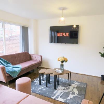 Tudors eSuites 4 bed apartment 1445M
